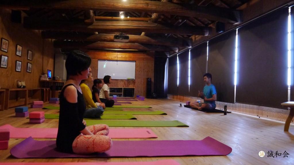 seiwakai-180519-yoga01