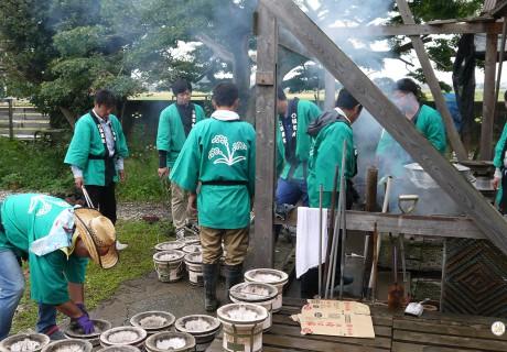 雨ニモ負ケズ 稲刈り体験協力の報告 – 誠和会社会貢献活動